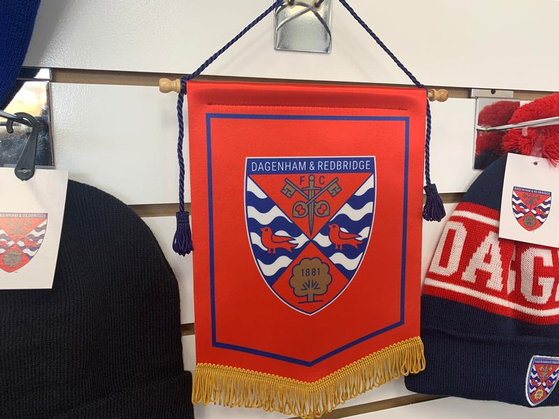 Daggers Crest Pennant